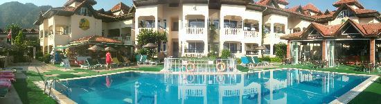 Babadan Hotel & Apartments: shop/ main pool/ bar