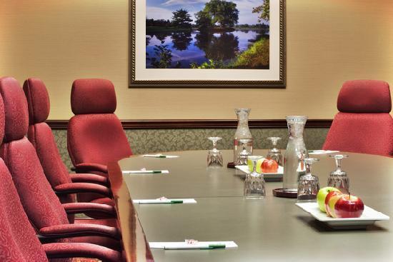 Holiday Inn Dayton Fairborn I-675: Executive Boardroom