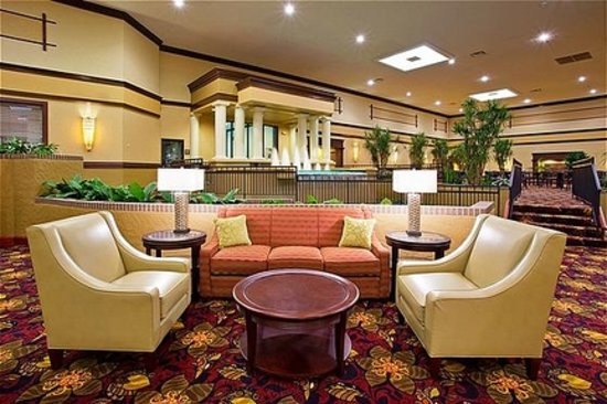 Holiday Inn Hotel & Suites Cincinnati-Eastgate: Lobby