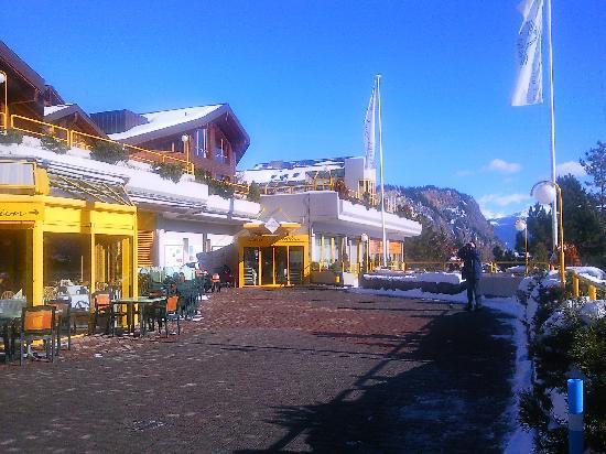 Ovronnaz, Switzerland: La terrasse du restaurant