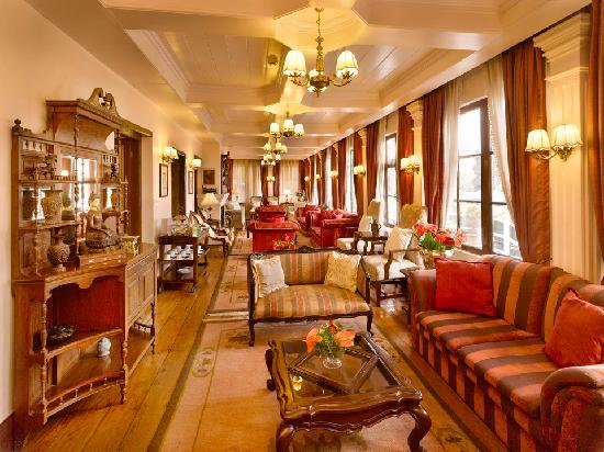 The Elgin, Darjeeling: The lobby lounge