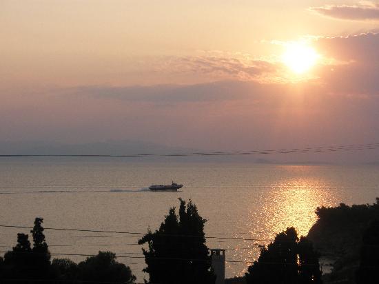 Hotel Klonos Anna: Sunset view from the balcony