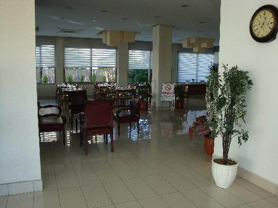 Cilek Marina Hotel: Lobby