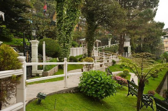 The Elgin, Darjeeling: Gardens at the Elgin