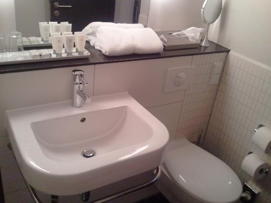 Hotel OTTO: Bathroom