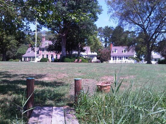 Combsberry Inn Bed and Breakfast : View of the main house with Oxford Cottage to right