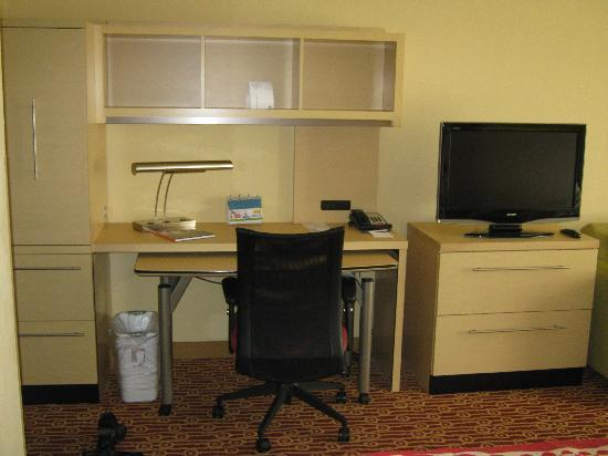 TownePlace Suites Wilmington/Wrightsville Beach : IKEA-Style furnitures