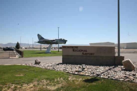 Montrose, Colorado: Montrose Regional Airport