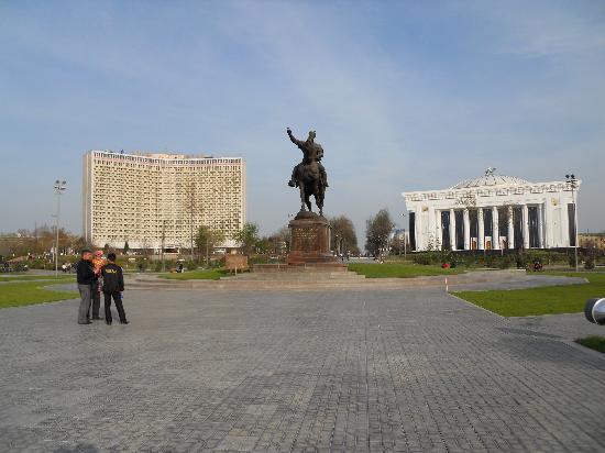 Taškent, Uzbekistan: ティムール広場