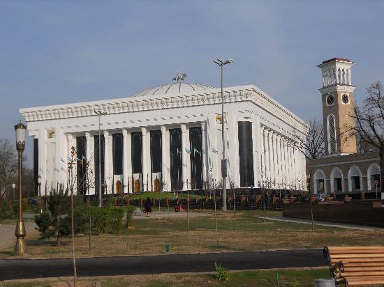 Taškent, Uzbekistan: ナヴォイ・オペラ・バレエ劇場