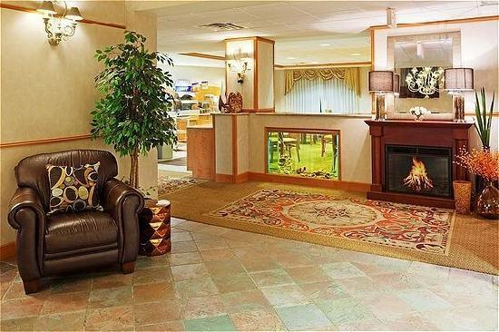 Holiday Inn Express Hotel & Suites: Lobby