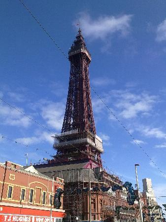 Margaret's Private Hotel: Blackpool Tower - 27/07/2010