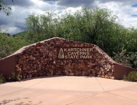 Benson, AZ: Kartchner Caverns State Park enterence