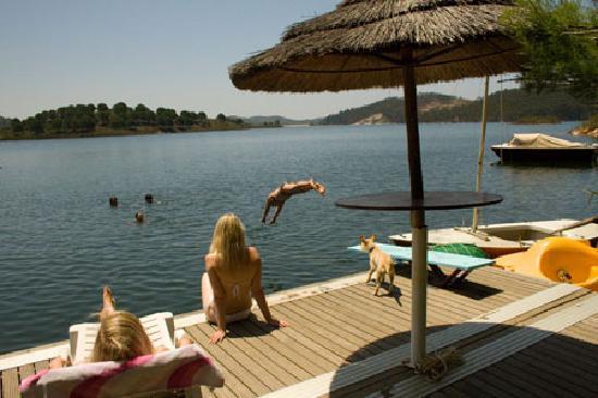 Quinta do Barranco da Estrada: The largest - and warmest - swimming pool ever ...