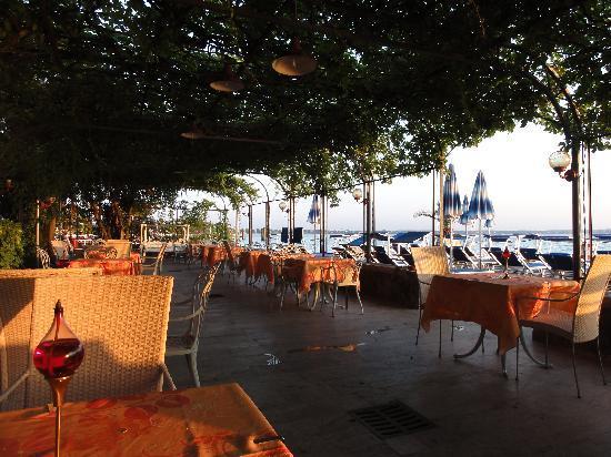 Hotel Catullo: The terrace