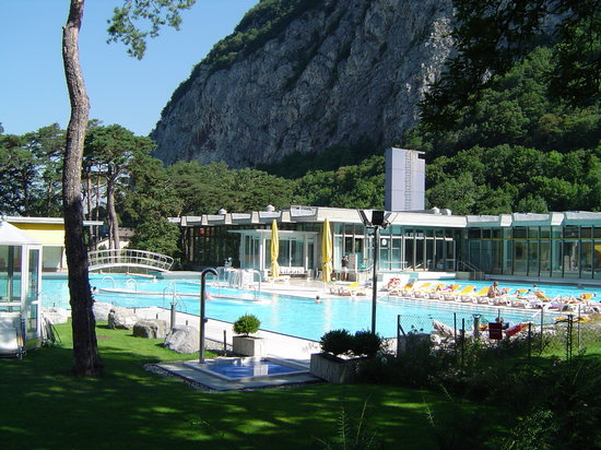 2017 best of aigle switzerland tourism tripadvisor for Piscine 01 gex