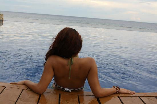 Eskaya Beach Resort & Spa: Infinity Pool
