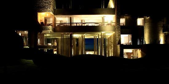 Kenoa - Exclusive Beach Spa & Resort: Night @ kenoa reosrt