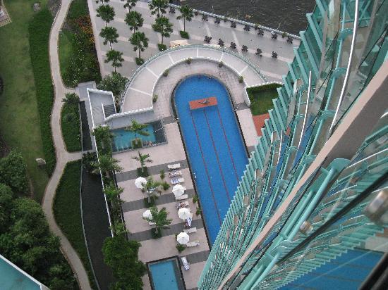 Chatrium Hotel Riverside Bangkok: Pool view from 26th floor