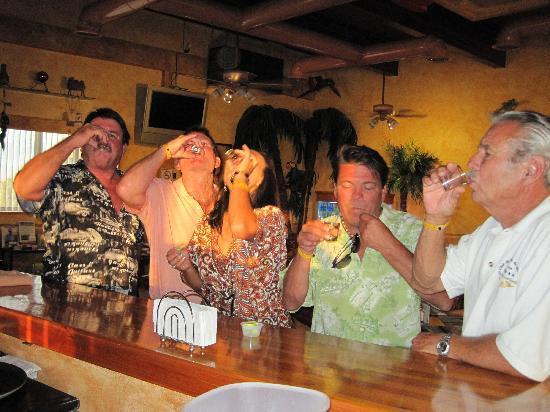 Latitude 31 Restaurant & Sports Bar: Salud!