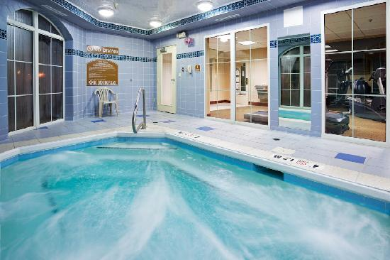 Holiday Inn Express Asheville: Interior Whirlpool