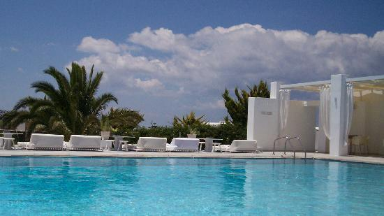 Geranium Residence: pool