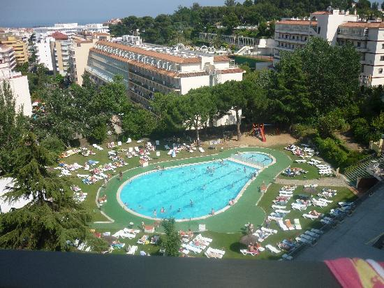 Hotel Samba : pool from balcony