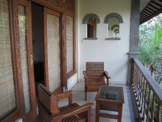 Nirwana Seaside Cottages: Balkon