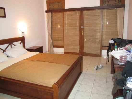 Nirwana Seaside Cottages: Zimmer