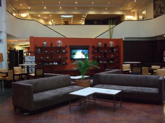 Mercure Hotel Alameda: Bar area