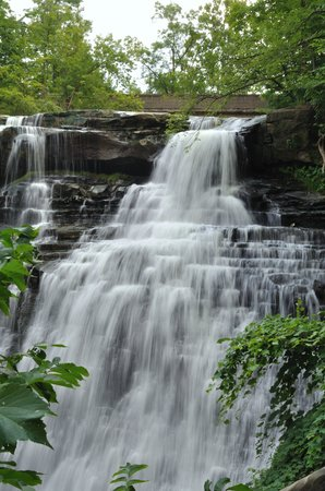 Sagamore Hills, Οχάιο: Silky waterfall