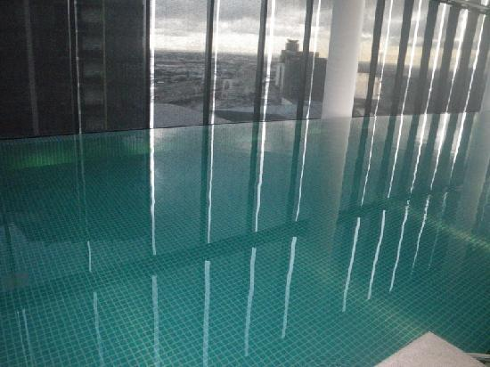 Crown Metropol Melbourne: Melbourne: Crown Metropol: Swimming pool