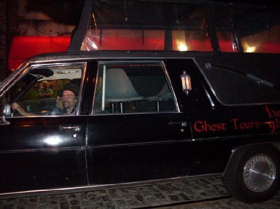 Hearse Ghost Tours: CARTING YOU OFF SEVEN DAYS A WEEK
