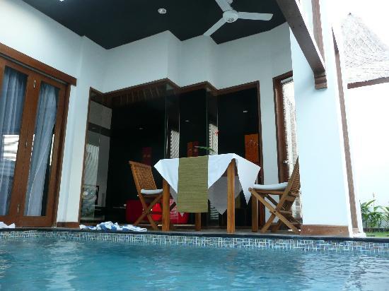 Amor Bali Villa: Breakfast table
