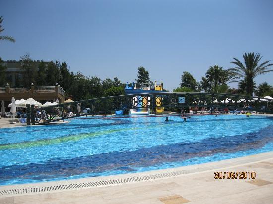Hotel Terrace Beach Resort: Swimming Pool