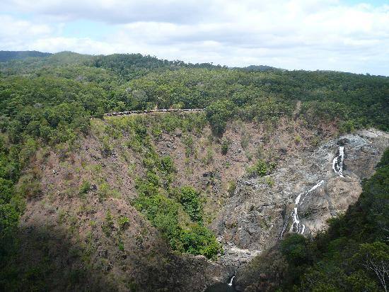 World Heritage Kuranda Tour-AAO: 絶景の中の滝
