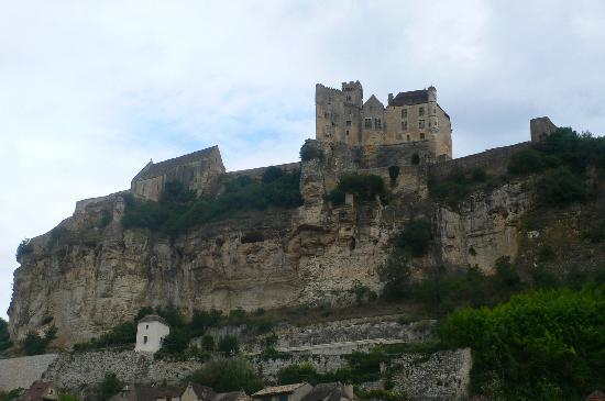 Le Bugue, France: Nearby medieval Beynac and its Castle