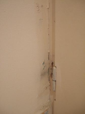 Club Med Sant'Ambroggio : Porte des toilettes....