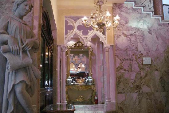 Hotel Papadopoli Venezia MGallery by Sofitel: les couloirs