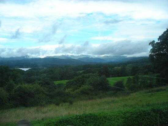 Bowness-on-Windermere, UK: The scenery around Windermere