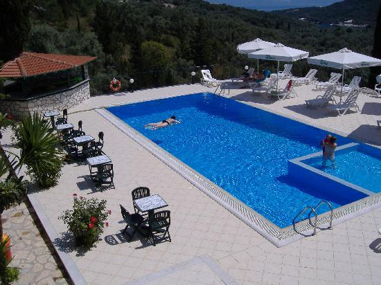 Hotel Meganissi: Happy Days!!