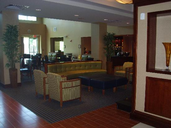 Homewood Suites by Hilton Virginia Beach/Norfolk Airport: the lounge/breakfast area