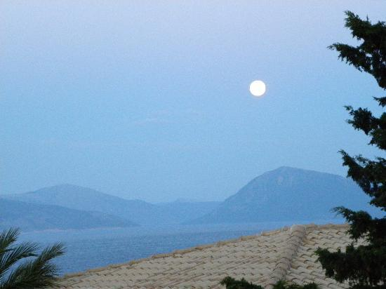 Ionian Blue Bungalows & Spa Resort: Full moon rising, as seen from the room