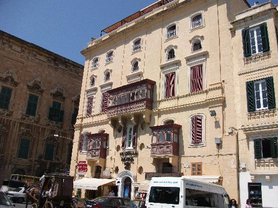 Castille Hotel: the outside of Castille