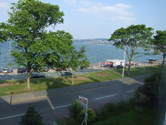 Whitehall Guest House: One view of Colwyn Bay from Hotel