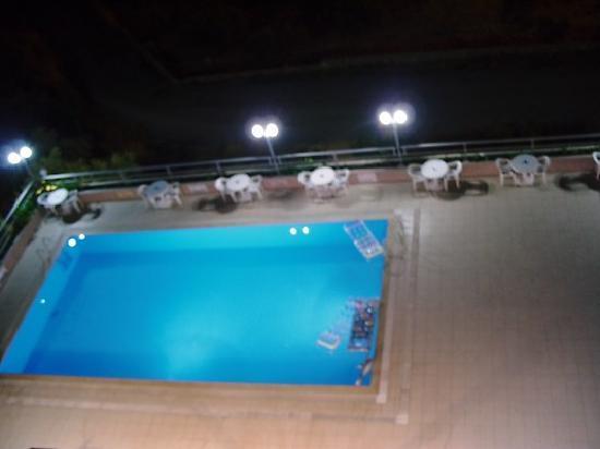 Ozka Hotel: The pool at night