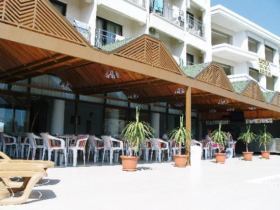 Ozka Hotel: The pool area