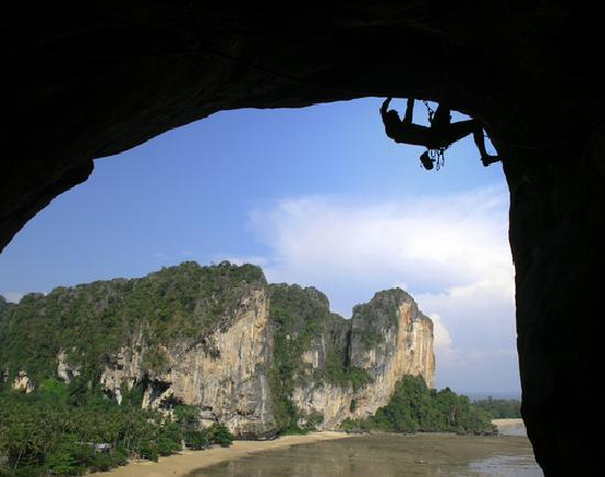 Koh Kwang Resort : A wide range of local activities available