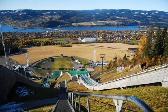Lillehammer, Norvège : View from high up at ski starting point