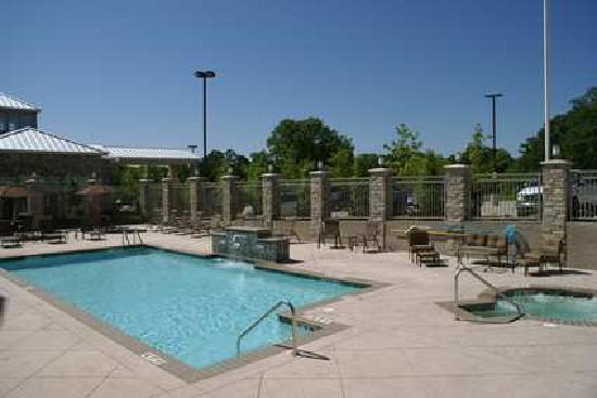 Hilton Garden Inn Denton: Take a refreshing dip in our sparkling outdoor pool and whirlpool spa.